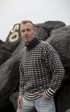 Icelandic Jumpers & Sweaters from Norwool of pure new Wool Sweater Shop, Sweater Cardigan, Men Sweater, Icelandic Sweaters, Wool Sweaters, Knitting Designs, Knitting Patterns, Mens Christmas Jumper, Unisex Fashion