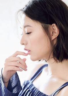 Kim Ji Won - Interview 'Descendants of the Sun' (Grazia April making) Seo Dae Young, Lee Bo Young, Korean Model, Korean Singer, Yoon Seo, Irene Kim, Yoo Ah In, Kim Ji Won, Drama