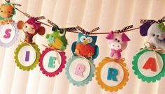 Beautiful Animal Parade Banner // Hermosa guirnalda decorativa