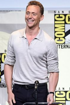 Tom Hiddleston at the Hall H panel for Kong: Skull Island at San Diego Comic Con, July 23rd 2016. Source hiddlestonredalert http://maryxglz.tumblr.com/post/147866902732/hiddlestonredalert-tom-hiddleston-at-the-hall-h Click here for full resolution: http://67.media.tumblr.com/c2b2c41b6713b30ea5b2b37dc64080d4/tumblr_oasi5pubIT1ugo54no2_1280.png