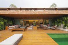 O estilo da arquiteta e decoradora em 3 projetos PROMOCASAVOGUE |  Fotos: Romulo Fialdini