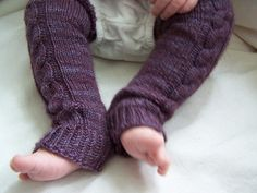 A quick and easy way to use up some left over sock yarn to make baby leggings!