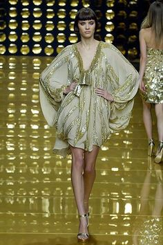 See the complete Elie Saab Spring 2007 Ready-to-Wear collection.