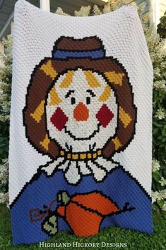 Crochet the corner to corner Scarecrow Afghan with this free intermediate level pattern. Is 80 x 100 blocks Width x Length) Crochet Afgans, C2c Crochet, Afghan Crochet Patterns, Crocheting Patterns, Crochet Fall, Holiday Crochet, Love Crochet, Halloween Crochet Patterns, Crochet Projects