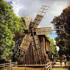 Romanian windmill. ❤️ #muzeulsatului #bucuresti #romania  FOLLOW us on Snapchat: haisitu  ------------------------------------- #countryside #visitromania