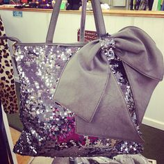 I WANT this bag<3!