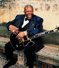 justrockthings:  RIP B.B. KingSeptember 16, 1925 - May 14, 2015  Sad. My prayers for him to be in a better place and for his family and many friends.