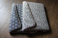 Pochette conçue pour l'ipad et sa protection. Coton traditionnel japonais motif vague indigo ou grand asanoha, intérieur Geznher bronze (coton damassé fabriqué en Autriche, so - 2112705