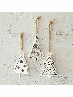 DIY star pendant with gold - tinker Christmas tree charm - . - DIY star pendant with gold – tinker Christmas tree charm – - Gold Christmas Tree, Winter Christmas, Christmas Holidays, Christmas Clay, Minimal Christmas, Christmas Bathroom, Simple Christmas, Xmas Tree, Beautiful Christmas