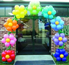 flower balloon arch More
