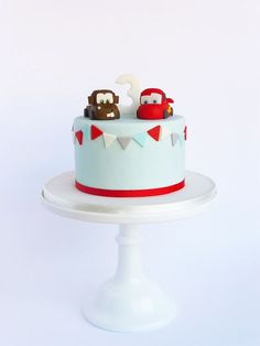 Peaceofcake ♥ Sweet Design: Cars Cake • Bolo Cars (ft. Tow Matter):