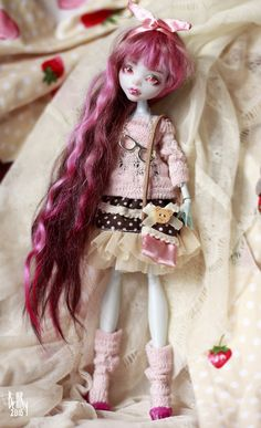 Explore smileidiote1's photos on Flickr. smileidiote1 has uploaded 828 photos to Flickr. All Monster High Dolls, Monster High Ghoulia, Monster High Doll Clothes, Monster High Custom, Monster Dolls, Monster High Repaint, Pretty Dolls, Beautiful Dolls, Ooak Dolls