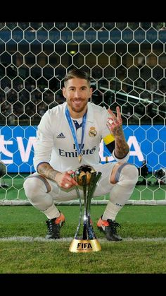 Ramos Soccer Guys, Soccer Stars, Football Players, Ramos Real Madrid, Princes Of The Universe, Real Madrid Wallpapers, Soccer World, Bear Men, Gareth Bale