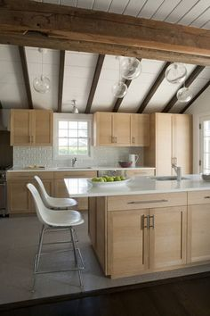 Fun, Colorful House in Watermill, the Hamptons, by Eve Robinson Associates