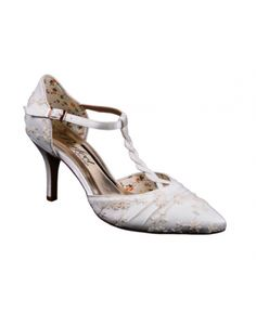 Betsy #DressingYourDreams #Plymouth #Devon #Cornwall #bride #weddingshoes #bridalshoes