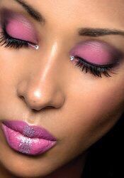 #InspiringLookoftheDay Focus: #Eyelashes Love the #hues too. #makeup #lipstick Join TheGlamCase &  Get Half Off July