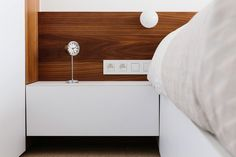 inrichten verdieping Edegem 2013-2014 I slaapkamer (white, sleeping room, stripes of walnut, notelaar, tapijt, kleur: fresh oh)