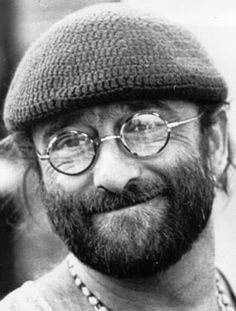 Lucio Dalla. one of the few italian artist i really loved and still love.