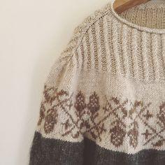 Acorn pattern by Junko Okamoto