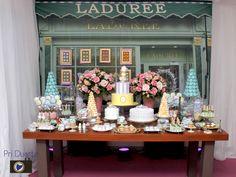 A Bianca arrasou no seu Chá de Panela!!! Ela simplesmente reproduziu a patissèrie Ladurée, criando um ambiente romântico e lindo, que dava a sensação de estar tomando um belo chá na própria loja da marca em Paris! Um luxo! #ChadePanela #laduree #paris #noivinhasdeluxo #bridalshower #chadecozinha #chadebeleza #luxo