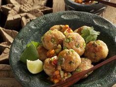 Fischbuletten auf thailändische Art ist ein Rezept mit frischen Zutaten aus der Kategorie Küchlein. Probieren Sie dieses und weitere Rezepte von EAT SMARTER!