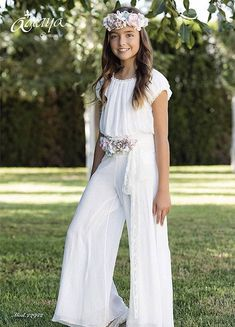 Vestits per els casaments Girls Formal Dresses, Little Girl Dresses, Flower Girl Dresses, Girls First Communion Dresses, Holy Communion Dresses, Kids Outfits, Cute Outfits, Teen Girl Fashion, Short Lace Dress