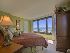 With a view like this... you'll never want to get out of bed!  Explore Beachside Towers I 4040, a 3 bedroom beachfront vacation rental located on the Sandestin Golf & Beach Resort!