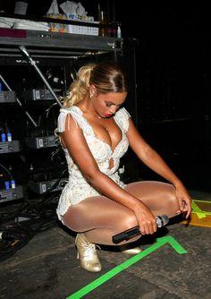 Beyonce - Data y Fotos Estilo Beyonce, Beyonce Style, Beyonce Knowles Carter, Beyonce And Jay Z, 1990 Style, Blue Ivy Carter, Beautiful People, Beautiful Women, Mrs Carter