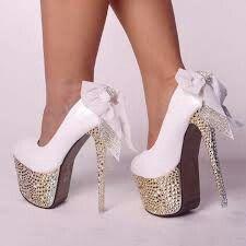 Holiday Heels - Do you want to wear high heels without the hurt. Hot Heels, Sexy High Heels, Frauen In High Heels, Lace Heels, Platform High Heels, High Heels Stilettos, Womens High Heels, Talons Sexy, Wedding Heels