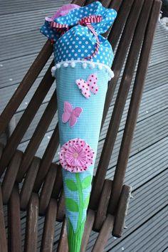 Schultüte/Zuckertüte Stoff mit Blume und Schmet