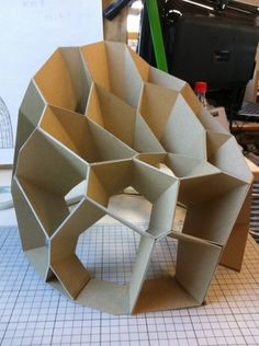 voronoi chair More Negative space in sculpture (think inside out) Cardboard Chair, Cardboard Model, Cardboard Design, Cardboard Sculpture, Cardboard Art, Cardboard Furniture, Diy Furniture, Furniture Design, Cardboard Playhouse