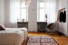 Un dormitorio de estilo escandinavo http://decoratualma.blogspot.com.es/2013/09/con-estilo-escandinavo.html