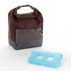 Looking for a versatile insulated lunch bag' Try this resilient, sporty bag. The plastic buckle can attach to a backpack or gym bag which is perfect for on the