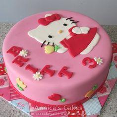 Google Afbeeldingen resultaat voor http://www.annicascakes.nl/images/cakes/82/hello-kitty-taart-met-tulpjes_001.jpg