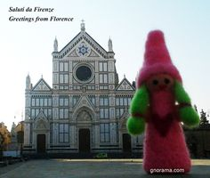 Summer...time for holidays... sun, hot weather and wonderful city to visit ... we take a walk in Florence ...  #florence #visitingitaly #gnorama #feltdolls
