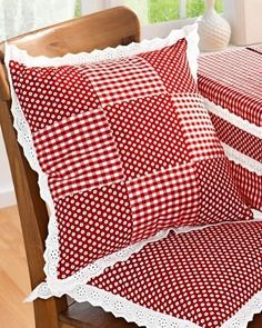 36 Super Ideas For Sewing Fabric Scraps Crafts Sewing Pillows, Diy Pillows, Cushions, Throw Pillows, Patchwork Cushion, Quilted Pillow, Diy Pillow Covers, Decorative Pillow Covers, Pillow Crafts