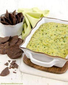 Creamy Artichoke Spinach Dip (without the junk: A creamy vegan artichoke dip made withOUT vegan cheese substitutes, all whole foods! Artichoke Spinach Dip - by Dreena Burton, Plant-Powered Kitchen Vegan Sauces, Vegan Foods, Vegan Dishes, Vegan Vegetarian, Vegan Apps, Vegan Artichoke Dip, Artichoke Spinach, Creamy Spinach, Dairy Free Recipes