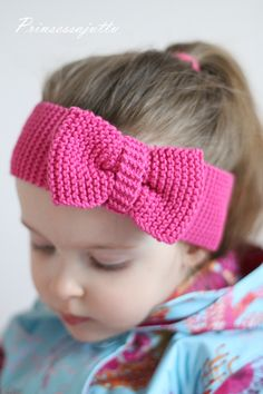 Prinses Story with link to tutorial Princess Stories, Crochet For Kids, Crochet Hats, Couture, Knitting, How To Wear, Crafts, Handmade, Clothes