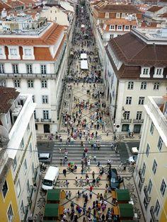 Rua Agusta, stadsdeel Baixa, Lisboa. De deftigste straat in de Baixa