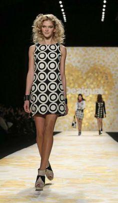 Desigual-Show bei der New York Fashion Week. Mehr zur Modewoche: http://www.nachrichten.at/nachrichten/society/New-Yorker-Fashion-Week-gestartet;art411,1299849 (Bild: EPA)