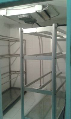 La notra cella di essiccazione,accuratamente pulita secondo le norme HACCP