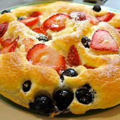 Strawberry Souffle Pancake Recipe Ingredients 3 eggs separated ½ cup half and half ¼ cup flour 1 pinch of salt tablespoons me. Dove Recipes, Egg Recipes, Cooking Recipes, Pancake Recipes, Healthy Recipes, Delicious Recipes, Vegetarian Recipes, Breakfast Desayunos, Breakfast Dishes