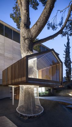 Architects install a Tree House at the Israel Museum's Youth Wing in Jerusalem | urdesign magazine
