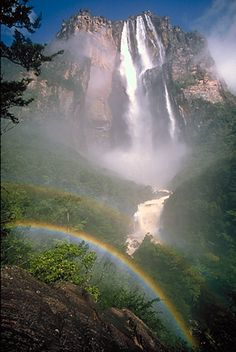 Salto Angel - Angel Falls Photo Gallery: Angel Falls and Rainbow