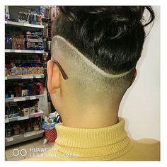 "Instagram의 @boblovers님: ""@andrea_gabriella_db #bobhaircut #undercut #carrè #sidecutstyle #bobhairstyle #rasatura #shorthair #bobhaircuts #sudecuthair #sidecuts…"" • Instagram"