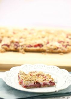 I want one! Strawberry Cream Cheese Oatmeal Bars Low Calorie, Low Fat Cookies