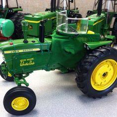 3020 WeatherBrake 1:16 Custom Old John Deere Tractors, John Deere Toys, Pedal Tractor, 1980 Toys, Farm Images, Toy Display, New Farm, Farm Toys, Engin