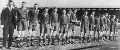 1921 South Africa rugby union tour of Australia and New Zealand Rugby Nations, South Africa Rugby, Rugby Union Teams, Black Beats, British Lions, World Rugby, All Blacks, Meet The Team, New Zealand