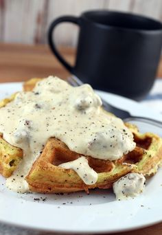 An awesomely simple #keto gravy that you can make with just about any pan drippings. Plus, some more info on a brand new keto subscription box: Keto Delivered! Shared via http://www.ruled.me/