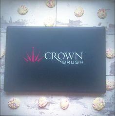 Crown brush concealer palette review - brazenrouge